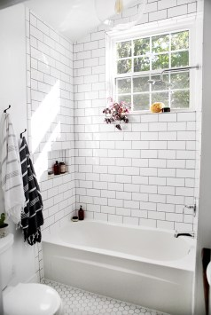 Stunning Bathroom Tiles Ideas for Small Bathrooms (60)