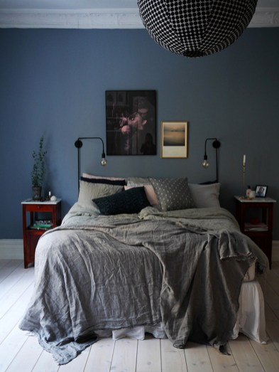 Dark Grey Bedrooms Decorating Design Ideas (17)