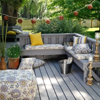 Decorating Your Deck With Plants
