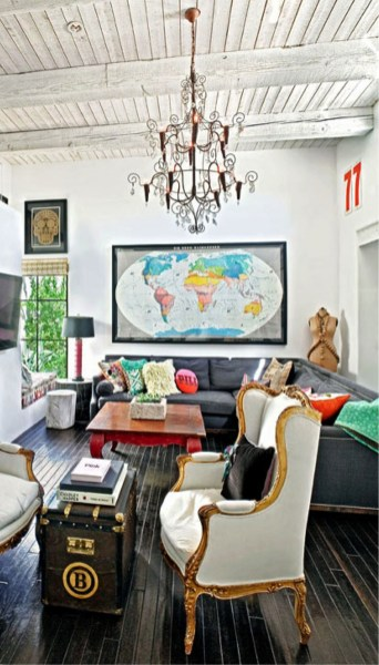 Eclectic And Quirky Living Room Decor Styling Ideas (26)