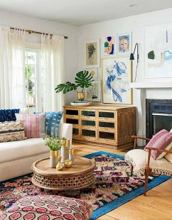 Eclectic And Quirky Living Room Decor Styling Ideas (32)