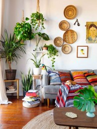Eclectic And Quirky Living Room Decor Styling Ideas (42)