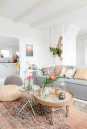 Eclectic And Quirky Living Room Decor Styling Ideas (47)