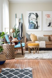Eclectic And Quirky Living Room Decor Styling Ideas (63)