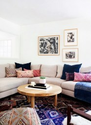 Eclectic And Quirky Living Room Decor Styling Ideas (67)