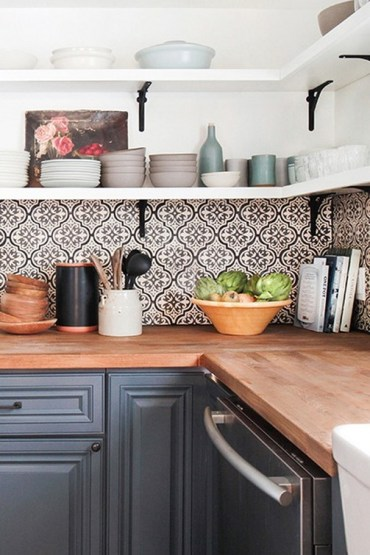 Kitchen Tile Backsplash Ideas Suitable For Your Kitchen (38)