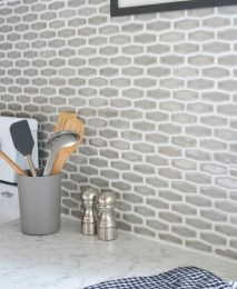 Kitchen Tile Backsplash Ideas Suitable For Your Kitchen (47)