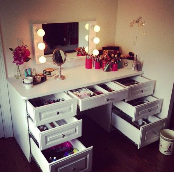 Chic DIY Vanity Mirror Ideas