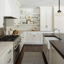 +41 To Consider For Farmhouse Kitchen Cabinets Design Ideas 16