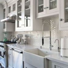 +41 To Consider For Farmhouse Kitchen Cabinets Design Ideas 20
