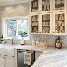 +41 To Consider For Farmhouse Kitchen Cabinets Design Ideas 42