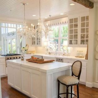 35+ Natural Rustic And Classic Glam Kitchen Decorating Ideas 173