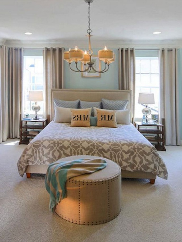45+ Simple Master Bedroom Decorating Ideas - Page 4 of 49