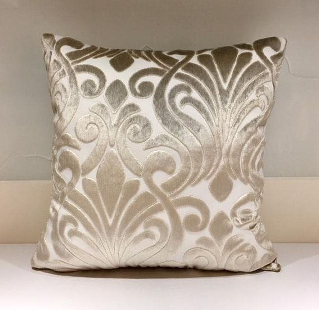 Charming Pillow Decorative Ideas To Apply Asap 15