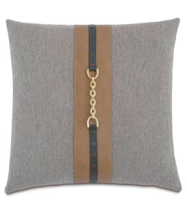 Charming Pillow Decorative Ideas To Apply Asap 26