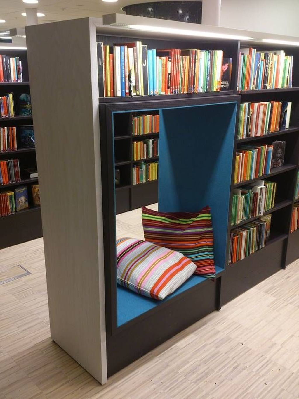 Smart Library Design Ideas For Home To Add To Your List 10