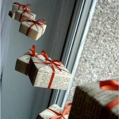 Beautiful Window Decorating Ideas For Christmas 18