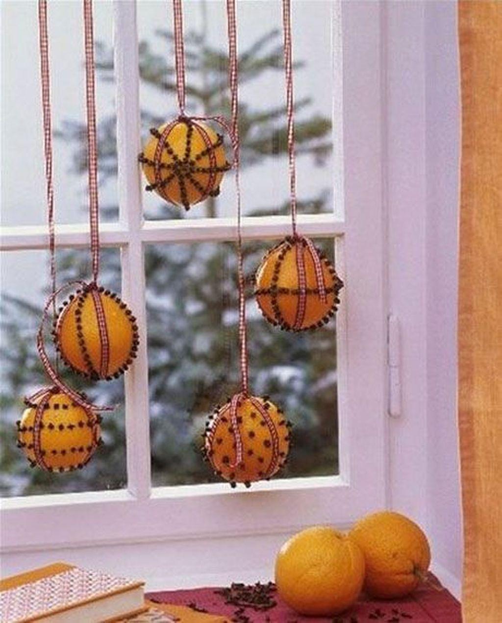 Beautiful Window Decorating Ideas For Christmas 28