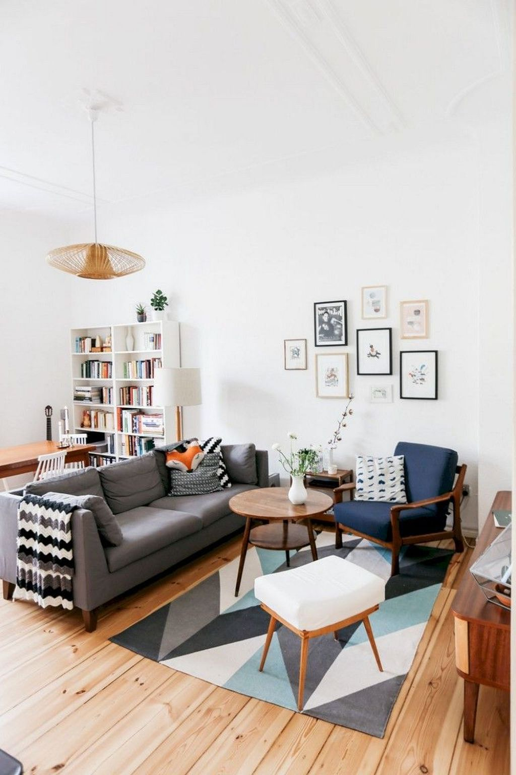 Best Tiny Living Room Design Ideas That Trend Nowaday 14