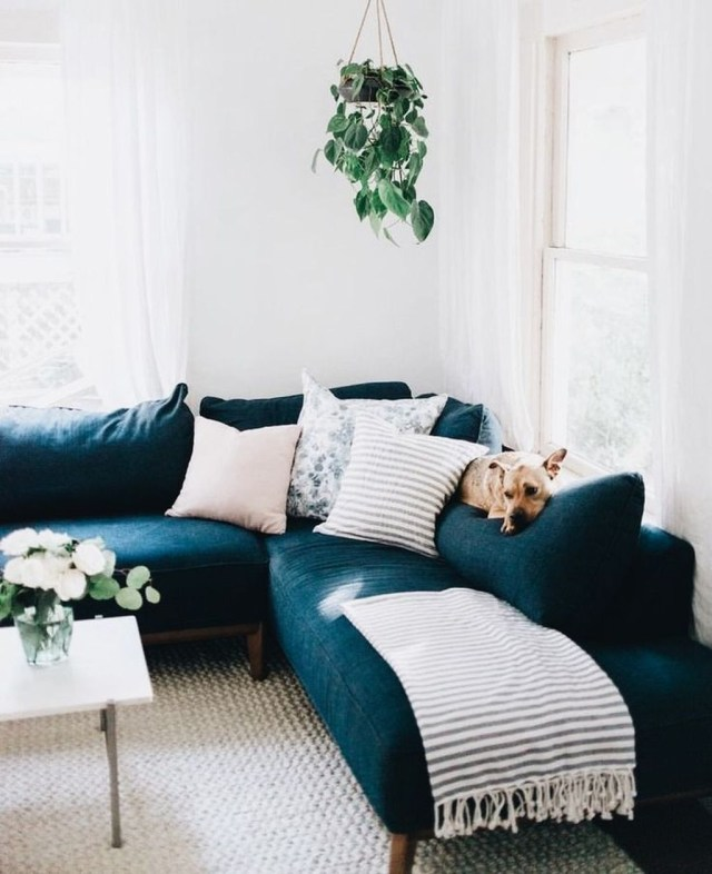 Best Tiny Living Room Design Ideas That Trend Nowaday 19