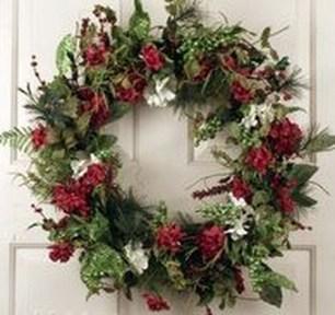 Creative Christmas Door Decoration Ideas To Inspire You 07