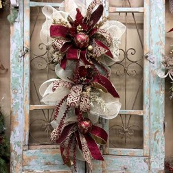 Creative Christmas Door Decoration Ideas To Inspire You 10