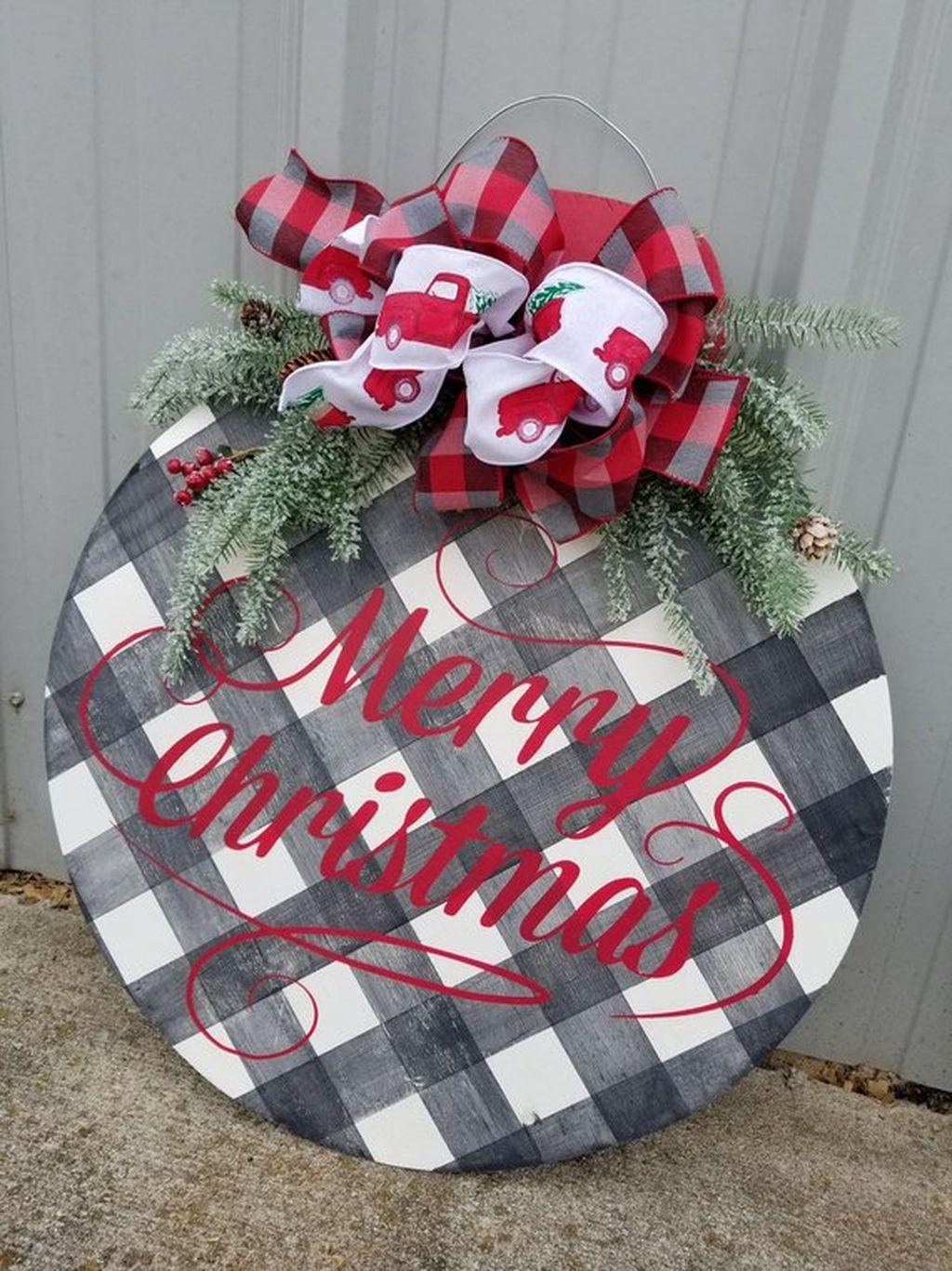 Creative Christmas Door Decoration Ideas To Inspire You 20