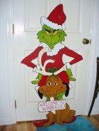 Creative Christmas Door Decoration Ideas To Inspire You 25