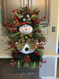 Creative Christmas Door Decoration Ideas To Inspire You 26