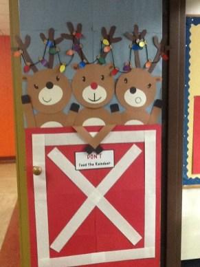 Creative Christmas Door Decoration Ideas To Inspire You 31