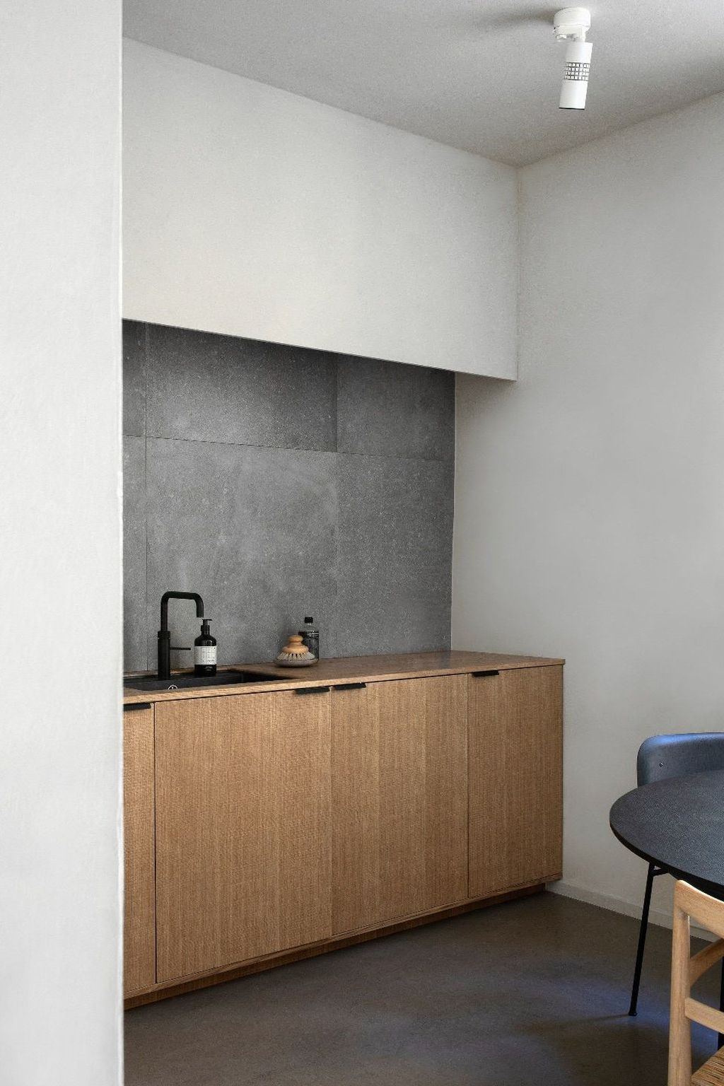 Elegant Minimalist Kitchen Design Ideas For Small Space To Try 04
