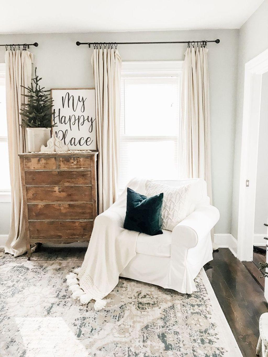 Enchanting Living Room Decor Ideas That Trending This Winter 16