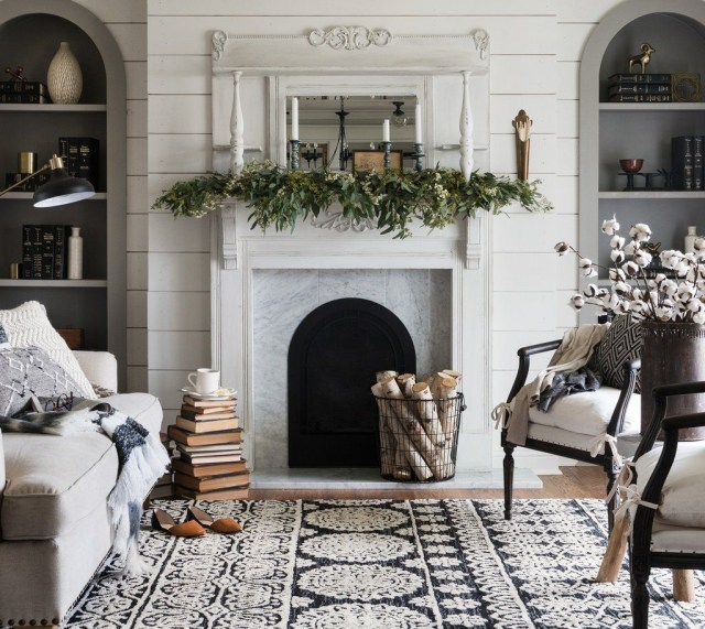 Enchanting Living Room Decor Ideas That Trending This Winter 18