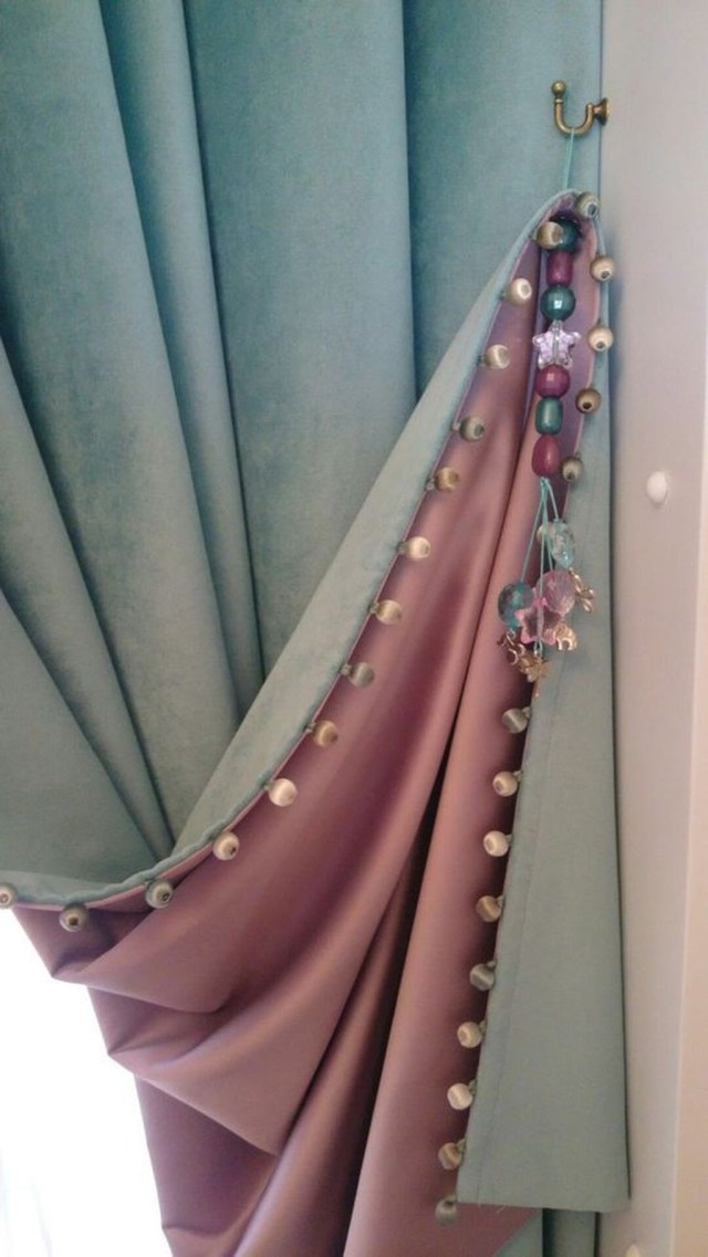 Inexpensive Living Room Curtain Design Ideas On A Budget 04