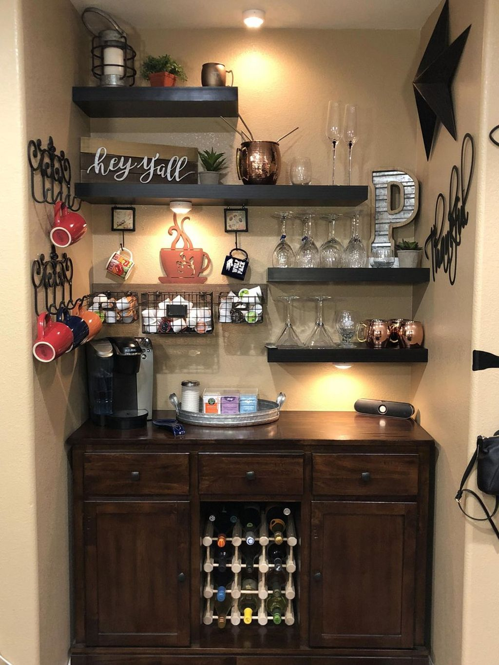 Magnificient Home Coffee Bar Design Ideas You Must Have 26