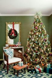 Pretty Space Decoration Ideas With Christmas Tree Lights 20