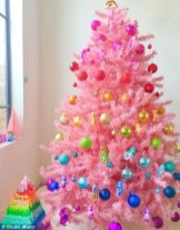 Pretty Space Decoration Ideas With Christmas Tree Lights 32