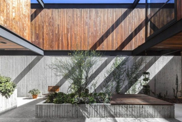 Rustic Wall Outdoor Concrete Ideas For Inspiration 03