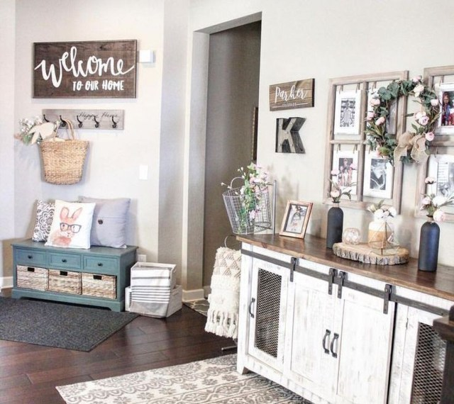 Splendid Entryway Home Décor Ideas That Make Your Place Look Cool 12