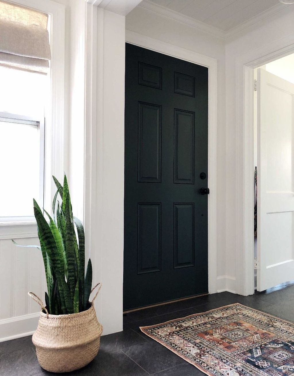 Splendid Entryway Home Décor Ideas That Make Your Place Look Cool 13
