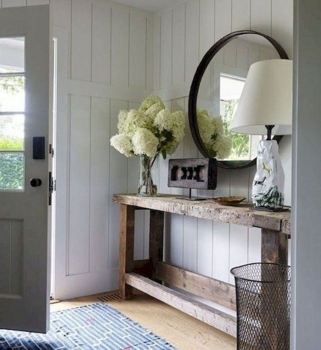 Splendid Entryway Home Décor Ideas That Make Your Place Look Cool 27