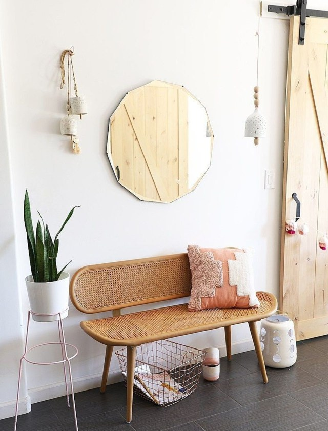 Splendid Entryway Home Décor Ideas That Make Your Place Look Cool 31