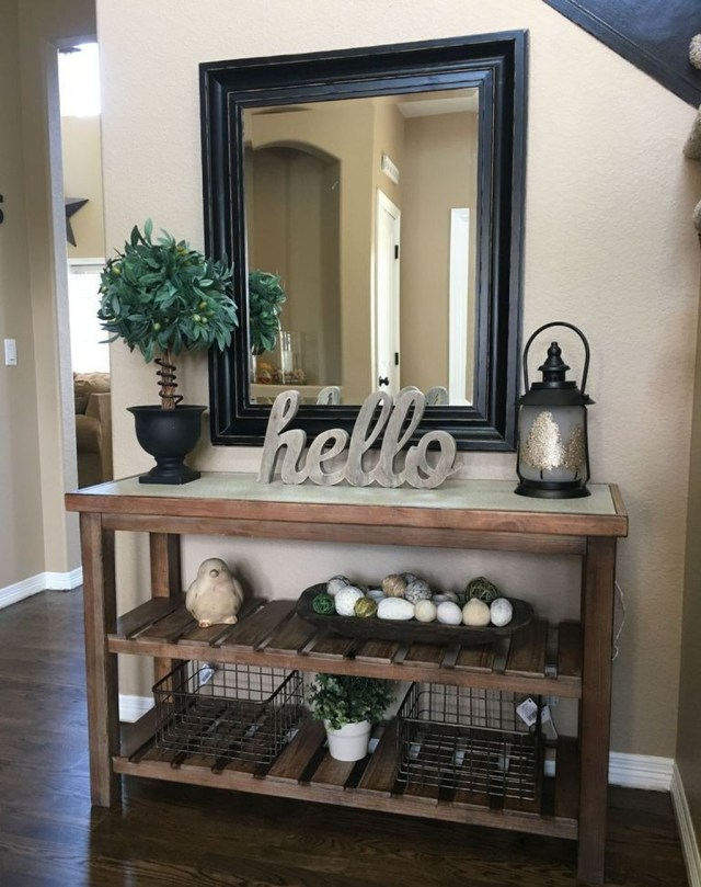 Splendid Entryway Home Décor Ideas That Make Your Place Look Cool 34