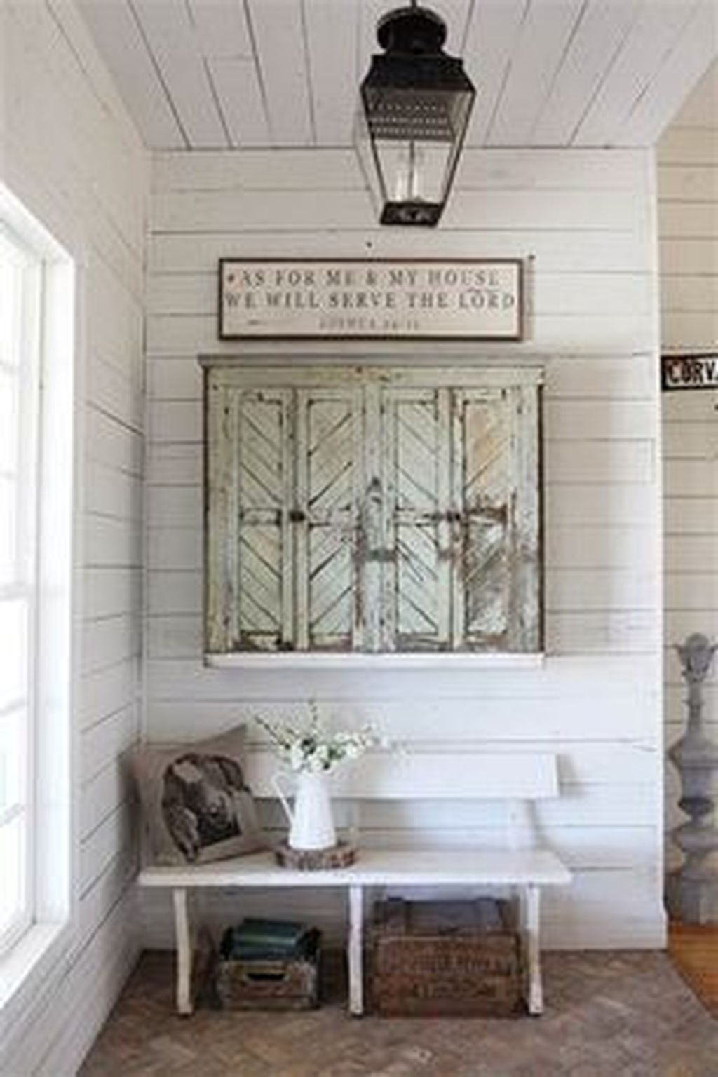 Splendid Entryway Home Décor Ideas That Make Your Place Look Cool 35