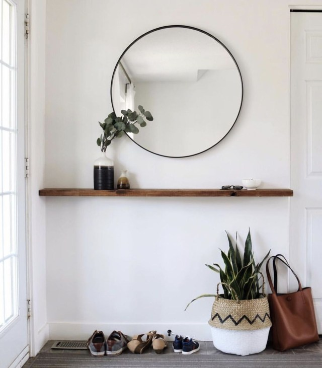 Splendid Entryway Home Décor Ideas That Make Your Place Look Cool 39