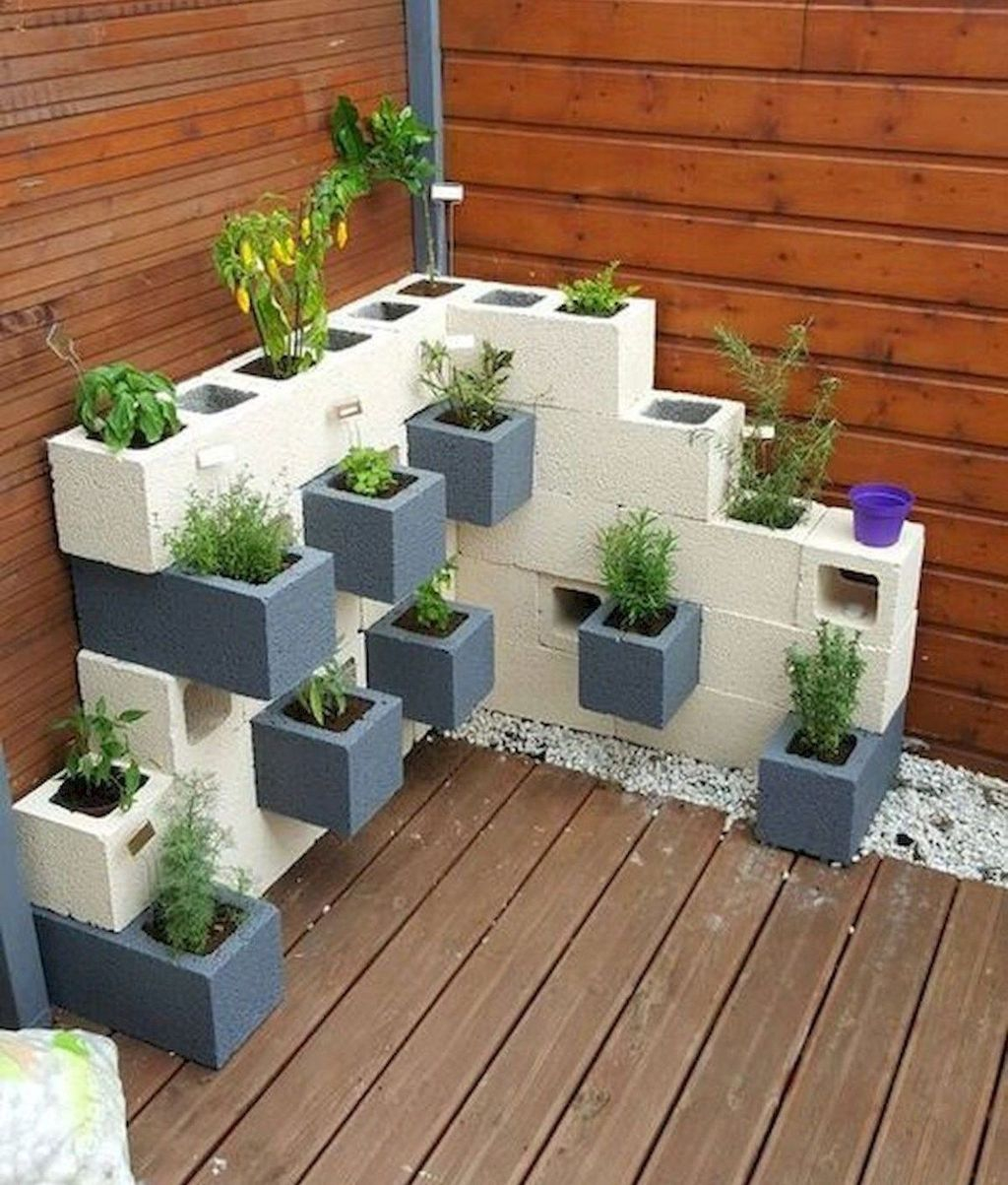 Stylish Garden Design Ideas With Cinder Block To Try 02