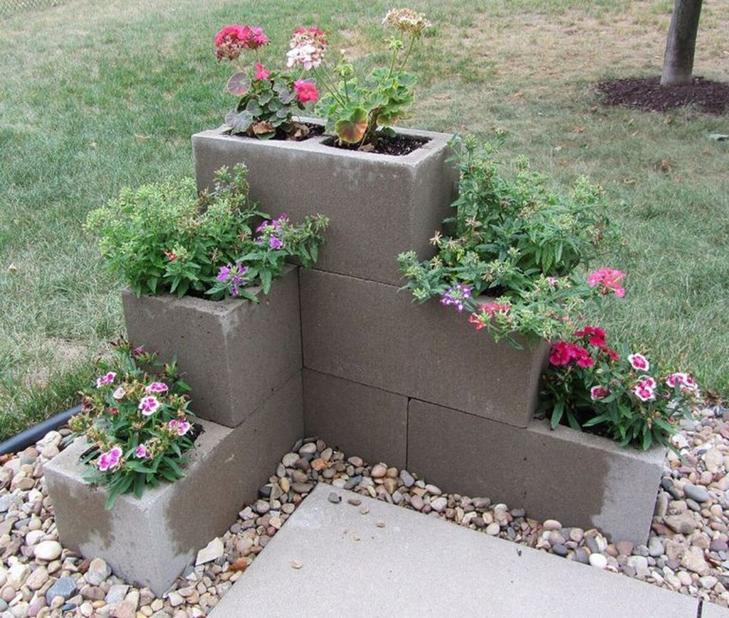Stylish Garden Design Ideas With Cinder Block To Try 03