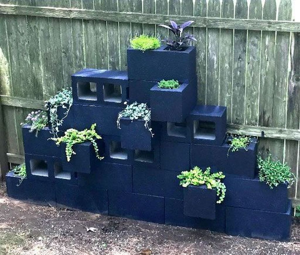Stylish Garden Design Ideas With Cinder Block To Try 18