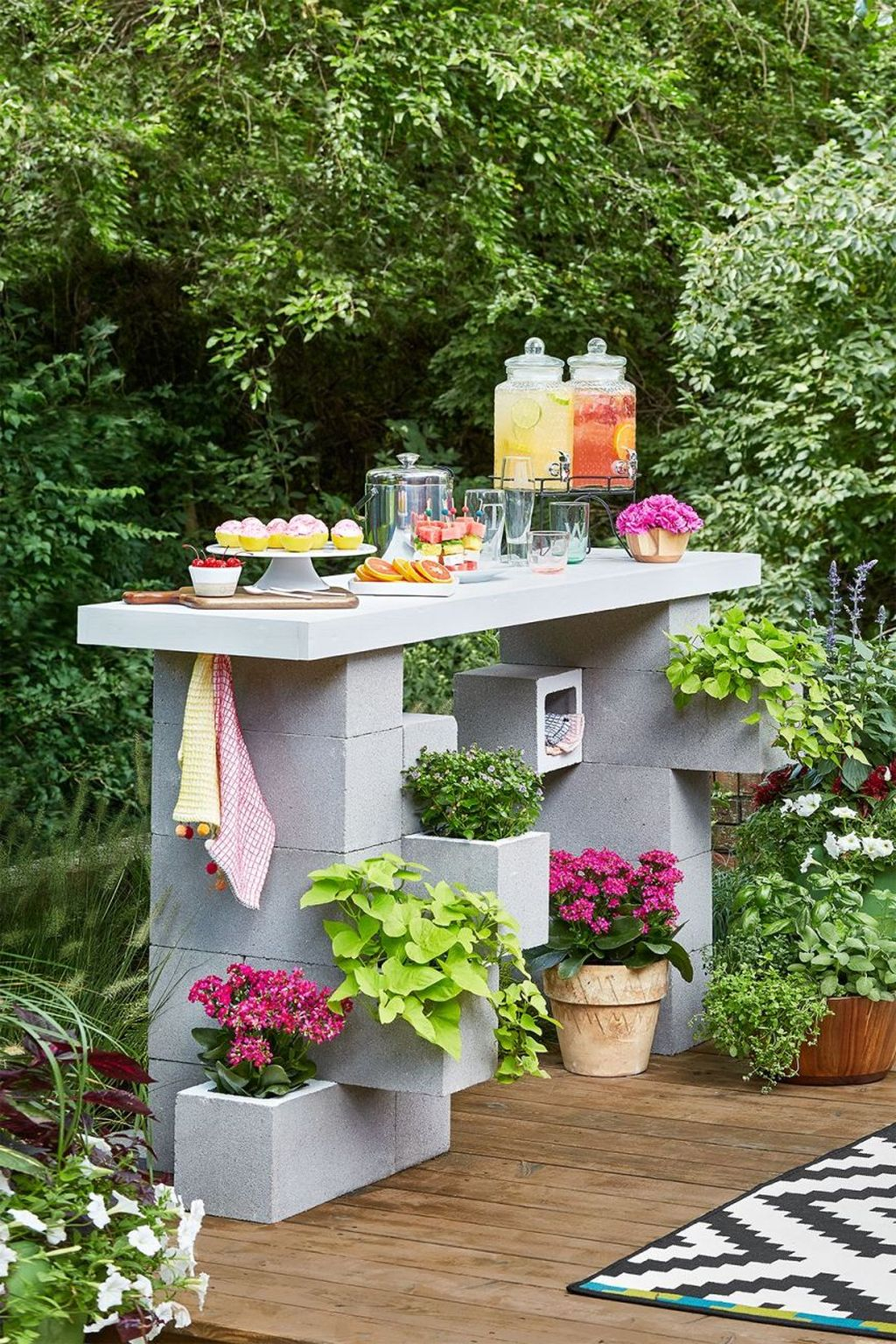 Stylish Garden Design Ideas With Cinder Block To Try 19