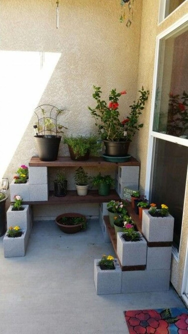 Stylish Garden Design Ideas With Cinder Block To Try 38